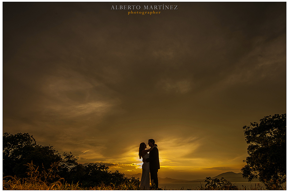 trash the dress isla de mezcala